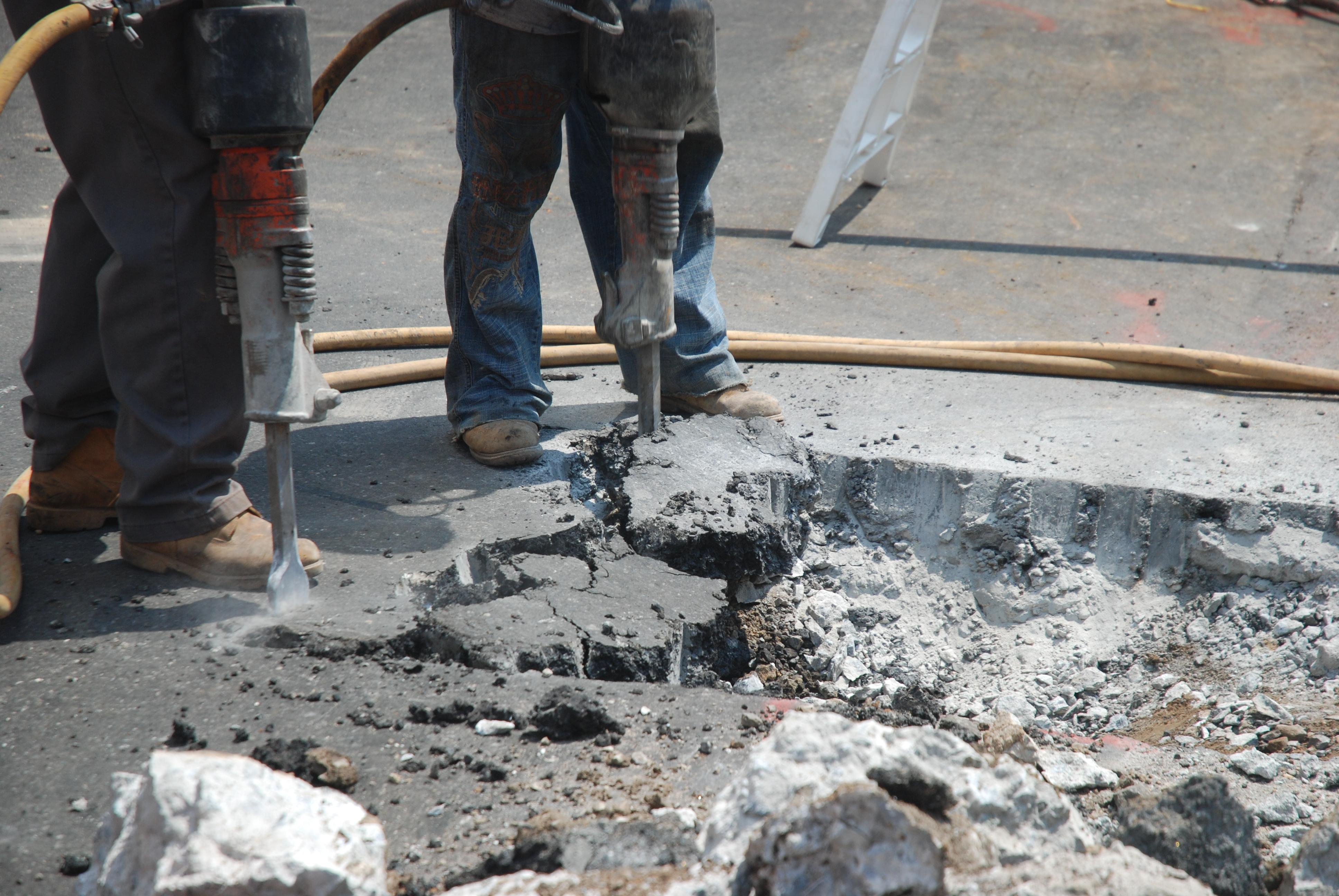 Sprzęt budowlany – wynajem czy kupno?