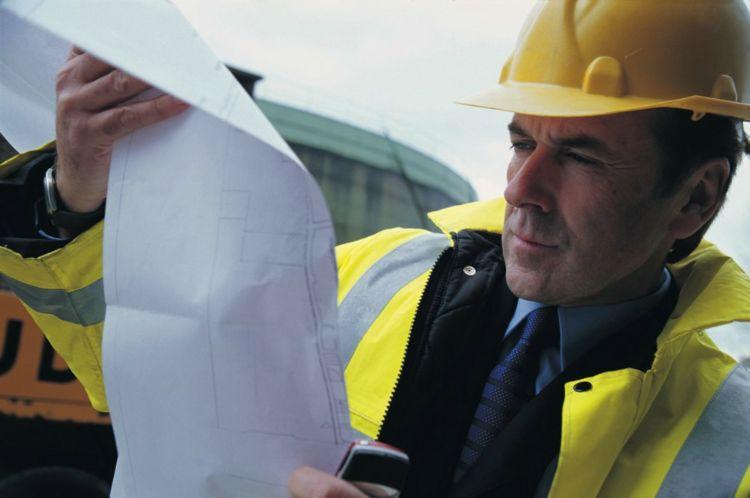 Tablica informacyjna na placu budowy – co powinno się na niej znaleźć?
