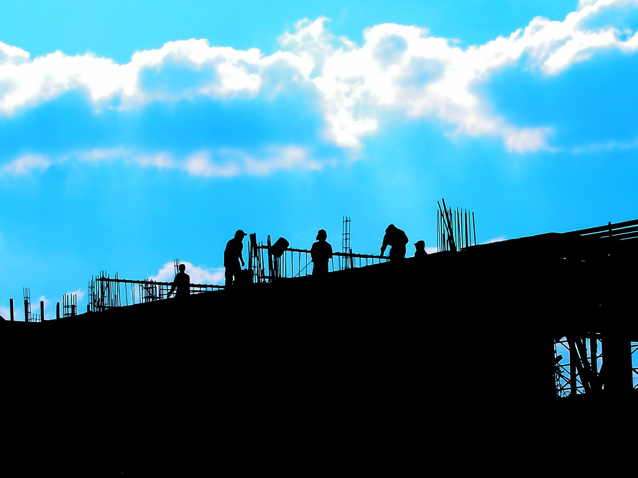 Jak utrzymać porządek na budowie
